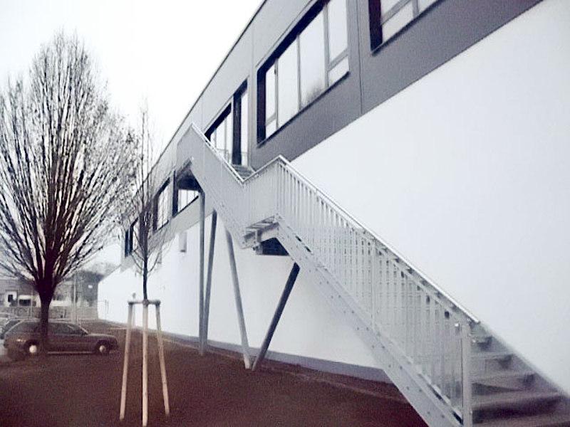 Treppenaufgang Aussen Und Gebaudebrucke